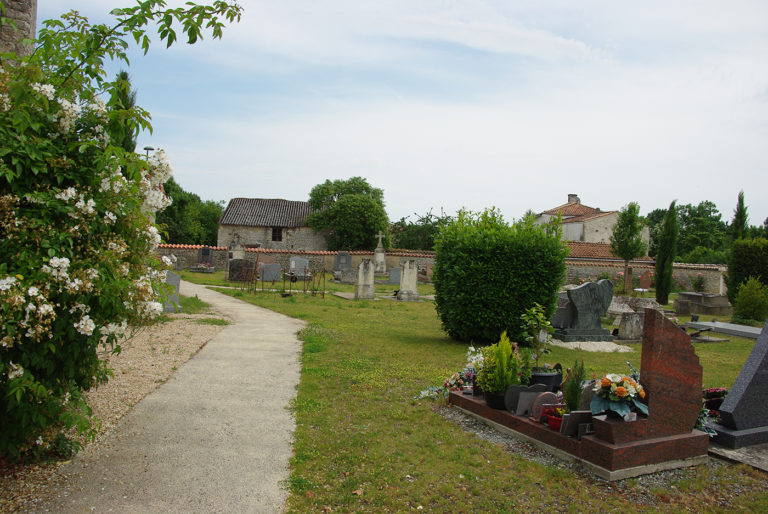 Cimetière de Belleville après végétalisation © CAUE 79